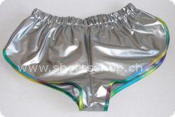 PVC-Shorts Andreas silber mit regenbogenfarbiger Einfassung